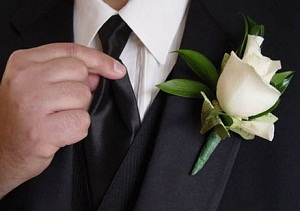 FULL SIZE WHITE ROSE  in Rolling Meadows, IL | ROLLING MEADOWS FLORIST