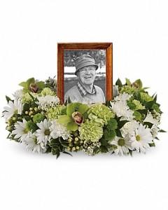 Funeral Arrangement for Urn or Picture  in Lebanon, NH | LEBANON GARDEN OF EDEN FLORAL SHOP