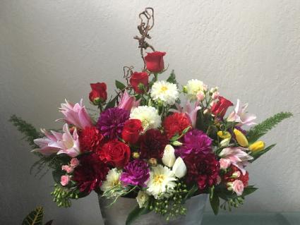Gorgeous & Luxurious Designer's Seasonal Flowers