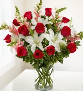 Gallant Love Bqt. Mixed Flowers in Conyers, GA | GLORIA'S FLORIST LLC