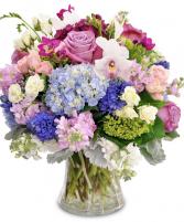 GARDEN BLOOMS Vase arrangement