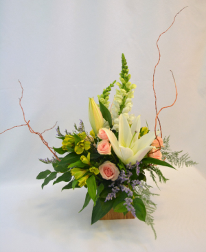 Garden Blossoms Flower Arrangement in Holland, MI | GLENDA'S LAKEWOOD FLOWERS