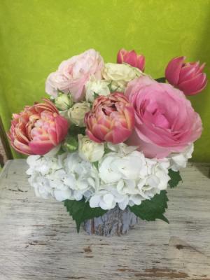 Garden Bouquet  in Milton, FL | PURPLE TULIP FLORIST INC.