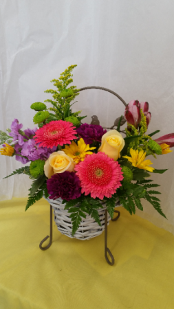 Garden Chair  in Albany, NY | CENTRAL FLORIST