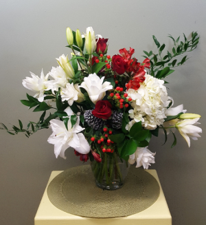 Garden Christmas Bouquet in Mount Pleasant, SC | BELVA'S FLOWER SHOP