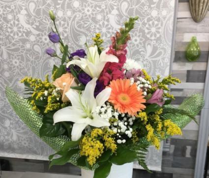 Garden Delight Bouquet -  No Vase  Mixed Bouquet