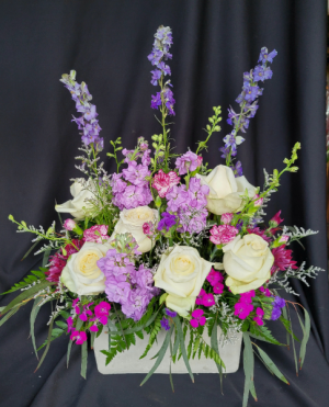 Garden Delight Planter in Longview, WA | Banda's Bouquets