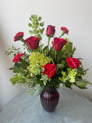Garden Greens and Reds  in La Grande, OR | FITZGERALD FLOWERS