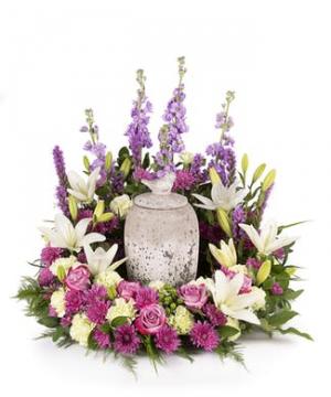 garden look urn arrangement in Lebanon, NH | LEBANON GARDEN OF EDEN FLORAL SHOP