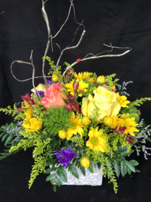 Garden Lover's Mix Cube Vase in Longview, WA | Banda's Bouquets