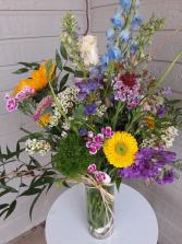 garden picked vase arrangement for all occasion