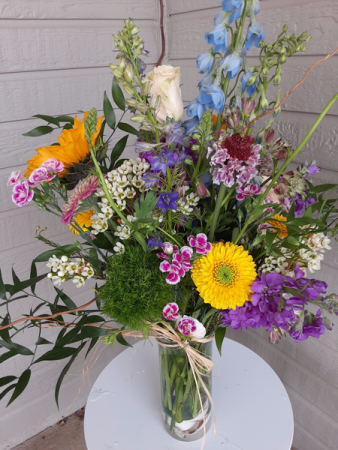 garden picked vase arrangement for all occasion