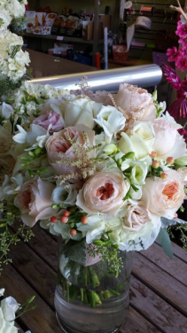 Garden Rose Bouquet Blossom Shops Wedding