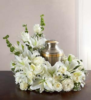 gathering white urn arrangement in Lebanon, NH | LEBANON GARDEN OF EDEN FLORAL SHOP
