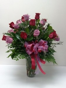 Gorgeous 18 mix roses