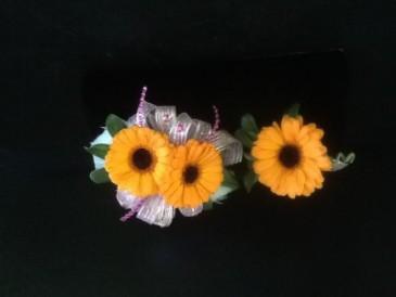 Gerbera Daisy   Wrist Corsage $40      Boutonniere $10