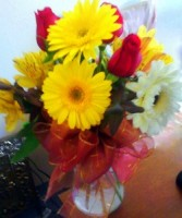 Mix with gerber daisies, MO-8 Fresh floral