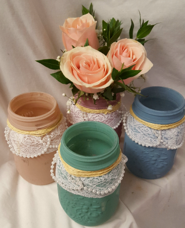 Pint size PICK ME UP! Pink or Yellow roses with  Baby's Breath in pint size pearls and lace mason jar. (We will select color and this is about 10
