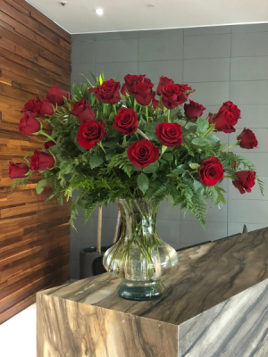 Giant Red Rose Bouquet Rose Arrangement in Miami, FL | FLOWERTOPIA