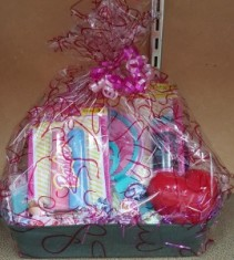 GIRLS VALENTINE BASKET GIFTS
