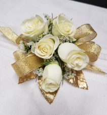 Glamerous Gold Wrist corsage