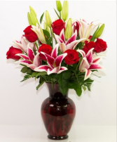 Glamorous Lilies and Roses  Vase Arrangement