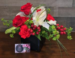 Lily  Rose Glamour Obsidian Vase in White Oak, PA   Breitinger's Flowers