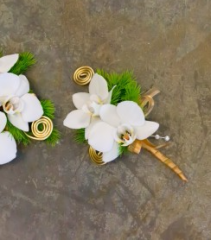 GLAMOUROUS BOUTONNIERE Prom Flowers