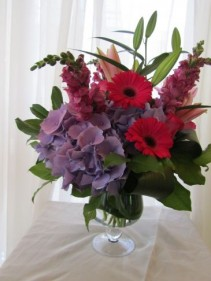 GLORIOUS GARDEN Vase Arrangement