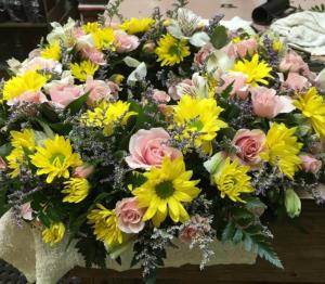 Glorious Tribute Memorial Urn Wreath in Tampa, FL | Island Flowers