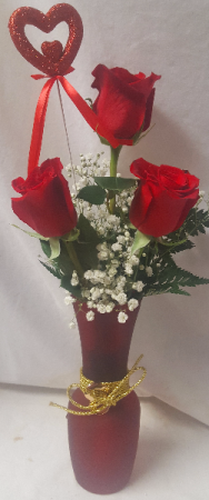 """""""GOLD HEART VASE"""" 3 RED ROSES ARRANGED IN VASE WITH BABY'S BREATH AND HEART PIC! (DIFFERENT COLOR VASES ALL VALENTINE COLORS...WE WILL PICK VASE )"""