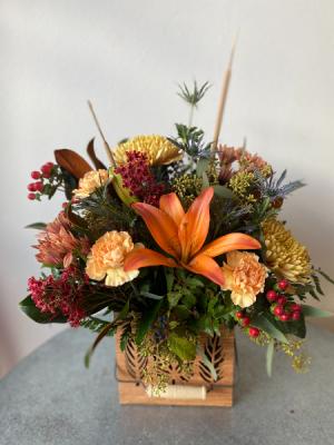 Golden Days Centerpiece  in La Grande, OR | FITZGERALD FLOWERS