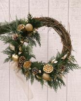 Golden Dreams Modern Outdoor Christmas Wreath