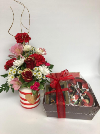GOLDEN HEART WITH CHOCOLATE GIFT BASKET
