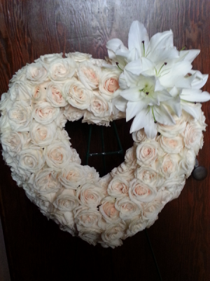 Golden Heart Wreath in Scarborough, ON | Florida Flowers