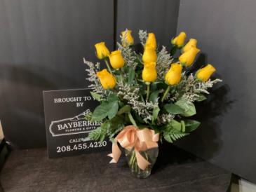 Golden Love 1 Dozen Yellow Rose Bouquet