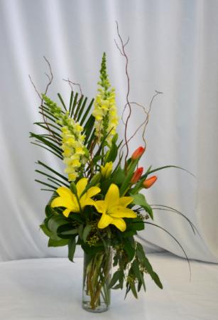 GOLDEN SPLENDOR FRESH FLOWERS VASED