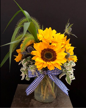 Goodbye yellow brick road Vase arrangement  in Chesterfield, MO | ZENGEL FLOWERS AND GIFTS