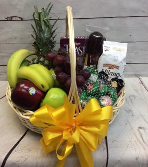 Gourmet Fruit & Cheese Basket   in Culpeper, VA | ENDLESS CREATIONS FLOWERS AND GIFTS