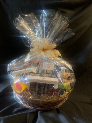 Extravagant Deluxe Gourmet  Gift Basket in Red Lake, ON | FOREVER GREEN GIFT BOUTIQUE