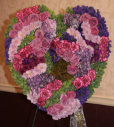 WR505: GRACEFUL GARDEN HEART WREATH