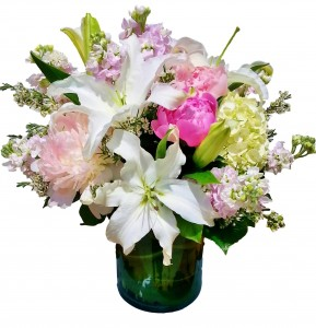 GRACEFUL LOVE Arrangement of Flowers