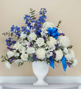 Graceful Pedestal- Blue and White