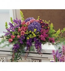 Gracious Tribute Arrangement
