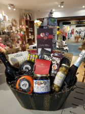 GOURMET BASKET With 2 bottles of wine and much more