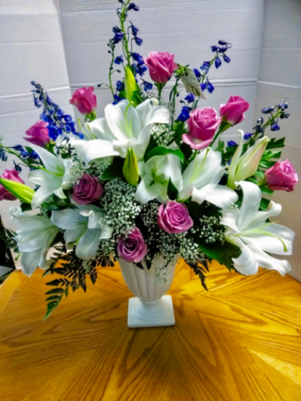 Grand Splendor Sympathy arrangement