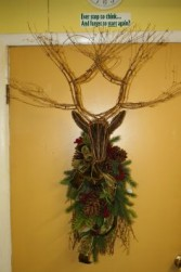 Grapevine Deer Swag Doorpiece
