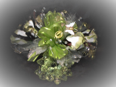 Green accents wrist corsage