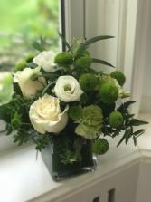 Green Blooms Vase Design