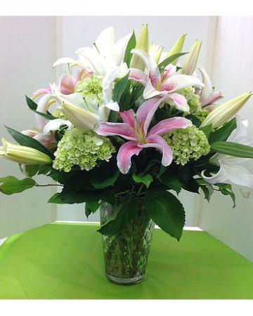 Green & Pink Spectacular Arrangement
